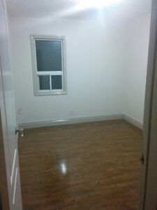 Mississauga room for rent (Cooksville GO)