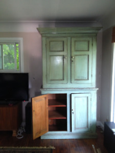 Circa 1825 Quebec built pine cabinet and hutch