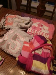 Tote of Girl's clothing, size 4-5T