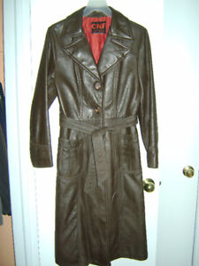 WOMEN'S RETRO LEATHER COAT, SIZE M, MINT