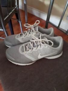 Nike Grey Sneakers hardly used!