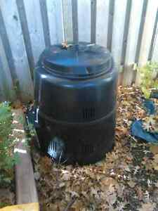 2 Composting units for sale