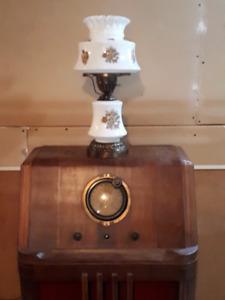 Vintage milk glass 3 way lamp