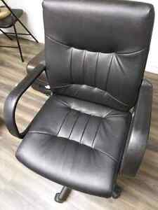 selling chair $30 Peterborough Peterborough Area image 4