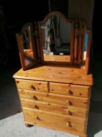 Ducal pine 5 draw chest of draws with mirror
