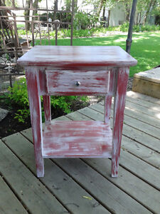 DISTRESSED SHABBY CHIC HALLWAY/BEDSIDE TABLE