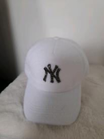Bran new ladies jewelled NY white shimmer baseball cap