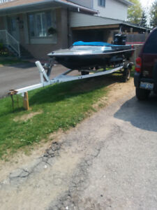 15ft fibertron boat 70hp Mercury outboard motor and trailer