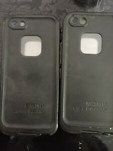 2 lifeproof cases iPhone 4
