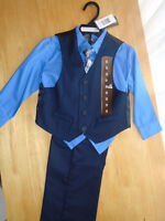 BOY DRESS SUIT SIZE 3 new , never worn REDUCED 20$