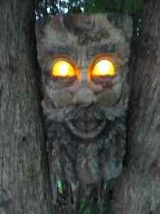 decoration hommes des bois