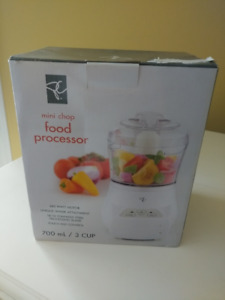 Food processor new in box never opened prez choice brand