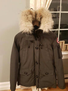 Woman's Authentic Canada Goose Montebello jacket