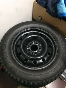 215/60R16 Michelin x-ice
