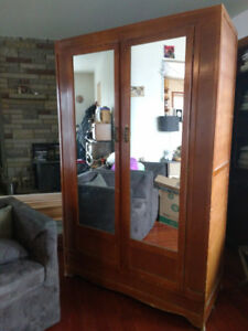 SOLID WOOD WARDROBE WITH MIRRORED DOORS