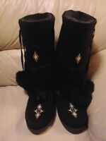 Gorgeous Jet Black New Mukluks So Warm & Cozy!