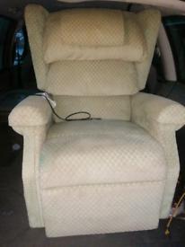 Rasing recliner arm chair (Duel motors)
