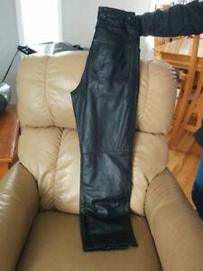 Pantalon de cuir véritable grandeur 1 à 3 ans environ