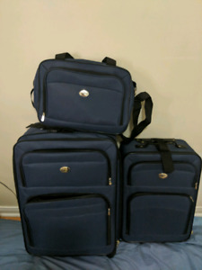 Large Blue Luggage Set