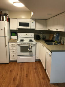 Room for rent in newly renovated 3 bedroom unit!