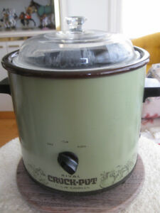 VINTAGE ['80's] RIVAL CROCK-POT SLOW COOKER with SEE-THRU COVER