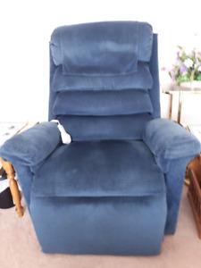 REDUCED: Big & Tall Lift Chair