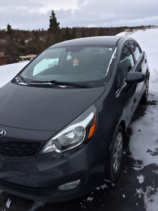 2013 Kia Rio - Brand new breaks and rotors!