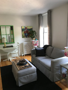 Sweet 1 Bedroom + Den right on Germain!