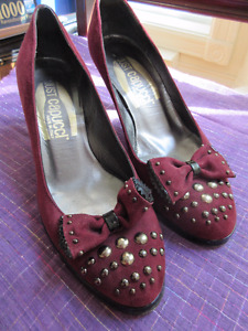 Size 8 Italian shoes - Maroon suede with studs and bows.RETRO