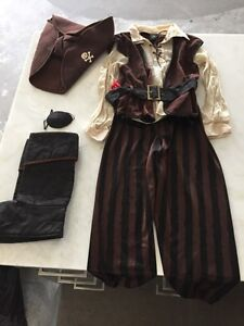 Pirate Costume (size 6-7 years)