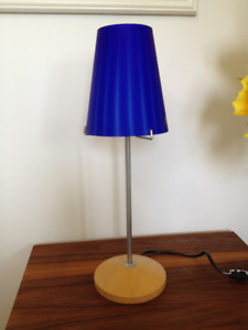Lampe de Table *** Table Lamp