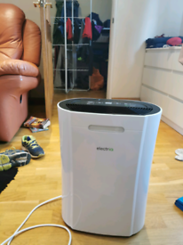 electriQ 12 Litre Dehumidifier with Digital Humidistat and Air Purifie