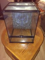 3 reptile cages and various accessories for sale!