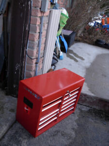 "Used Heavy duty Rubbermaid 26"" Metal Tool 8-drawer Chest w/LOCK"
