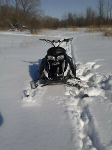 Ski-doo mxzx 440 negotiable