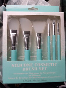 'NEW' SILICONE MAKEUP BRUSHES (6 in pkg)