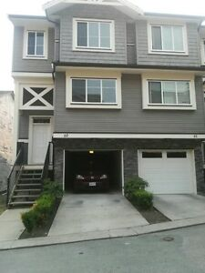 Like new downtown maple ridge townhouse