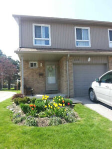 4 Well Sized Brs, 2.5 Baths, Spacious Liv/Dining Areas