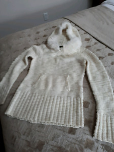 Women's New BEBE BRAND KNIT SWEATER BRAND NEW MOVING SALE