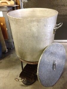 Boiling pot - perfect for corn roasts!
