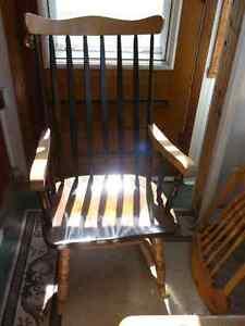 Chaise Berçante en Érable