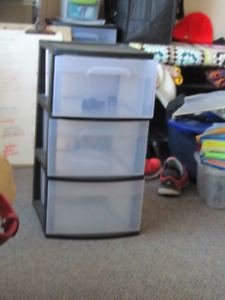 Plastic 3 drawer cabinet, free to good home