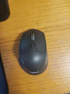 Logitech M720 Triathlon wireless /Bluetooth mouse
