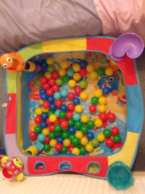 Babys ball pit and balls