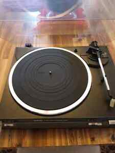 Technics turntable SL-B250