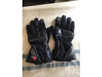 X 3 pairs of motorcycle gloves, size medium.