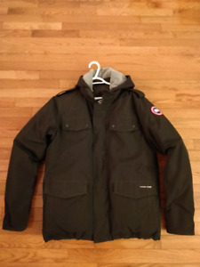 LIKE NEW (9.5/10) - Canada Goose Burnett Jacket (Large) - $550