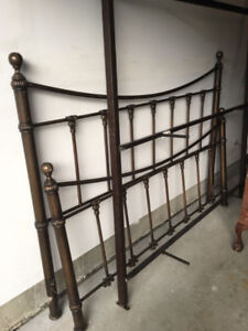 King Size Bed Frame Iron from Bombay