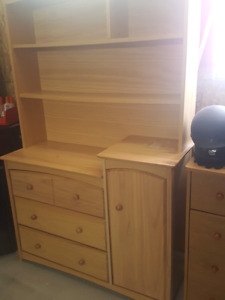 Children's dresser with bookshelf