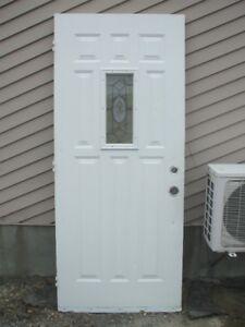 porte d'extérieur en acier